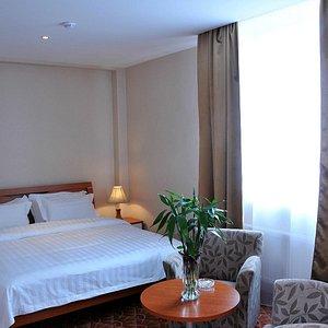 Semi Lux Room