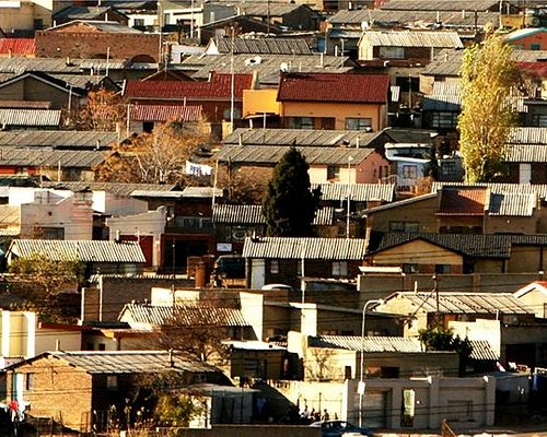 Soweto & Other Townships - Daily tours through the eyes of a photojournalist - Ilan Ossendryver