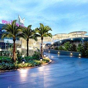 mall @ alam sutera outside view