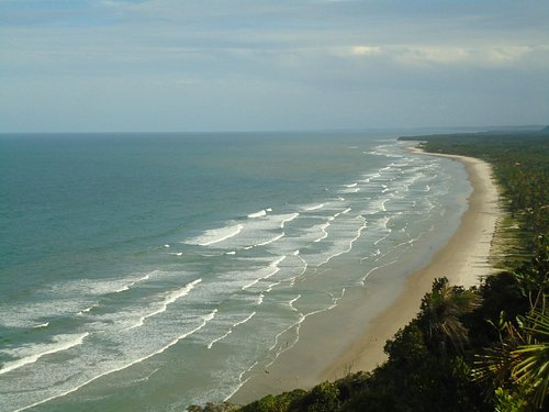 praia pe da serra entre ilheus e itacare