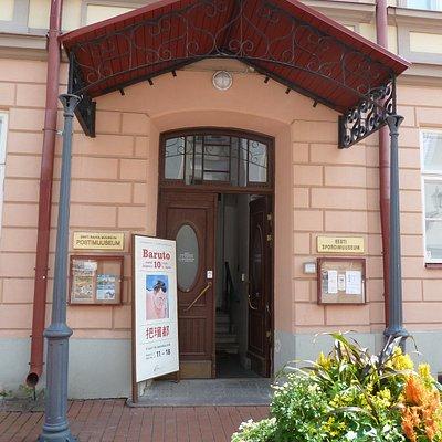 Eingang zum Postmuseum in Tartu