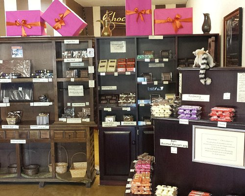Display units with various chocolates