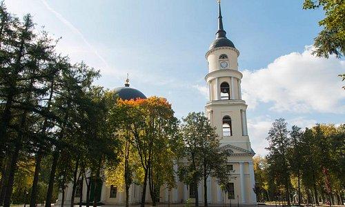 Вид с улицы Баженова