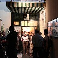Patio de entrada al Teatro Guindalera