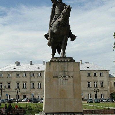 Jan Zamoyski monument