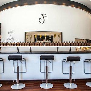 The Fragance Bar