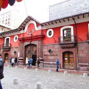 Casa colorada - fechada nas Fiestas Pátrias