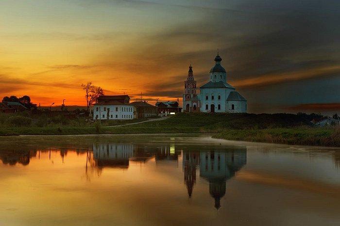 Ильинская церковь на закате