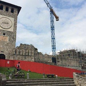 Замок Коллоредо ди Монте Альбано