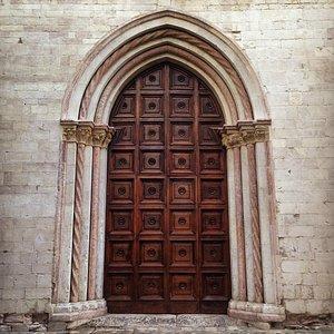 antico portone dell'Auditorium Santa Cateri