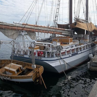 Schooner ready for boarding