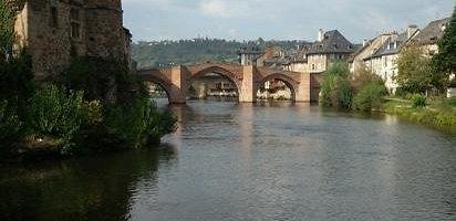вид на Мост из парка