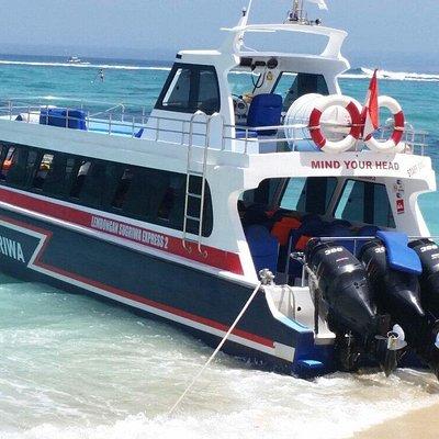 Sugriwa Express 2 docked at Lembongan Island ready to board.