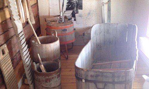 Old school bath tub?