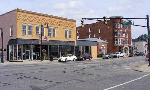 "While cruising National Road US 40 we hit many ""Antique Malls"""
