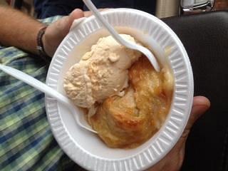 peach dumpling w/ peach ice cream-yum!