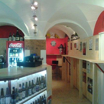 ecco il nostro locale dove e possibbile degustare aperitivi iberici