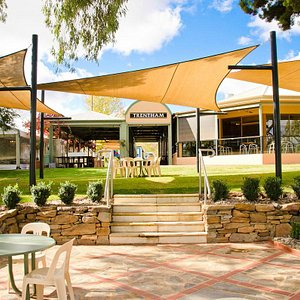 Set right on the banks of the Murray River