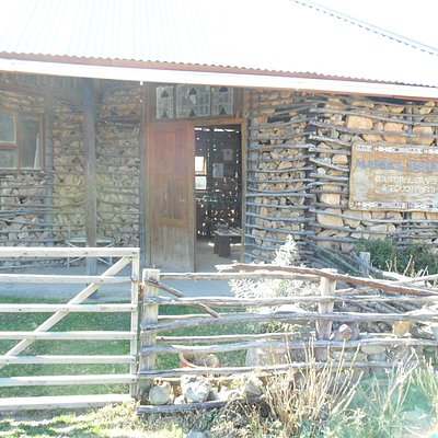 Mafika Pottery Entrance