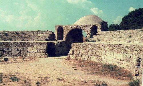 anfiteatro, antico ingresso ovest