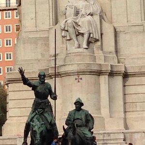 Monumento à literatura hispânica