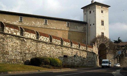 Torre Aquila