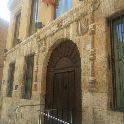 Entrada al museo arqueológico El Cordón