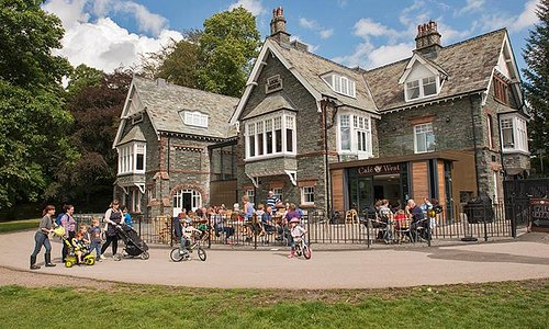Our beautiful building in Fitz Park houses activities, exhibitions, events and a great cafe!