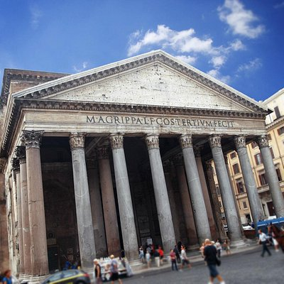 A view of the Pantheon during our Heart of Rome Tour