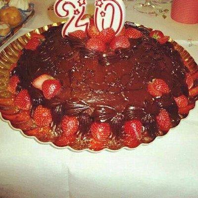 Torta di compleanno cioccolato e fragole