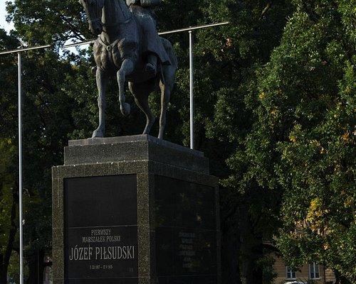 Памятник Пилсудскому
