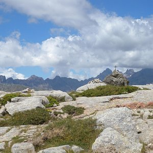 Utsikt mot fjellmassivet