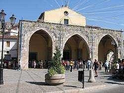 La chiesa di Santa Maria Maggiore (facciata)