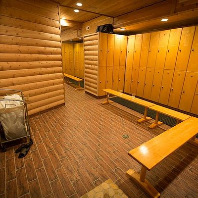 Men's Locker Room, Red Square
