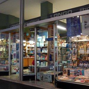 libreria dante di longo - vetrine 2