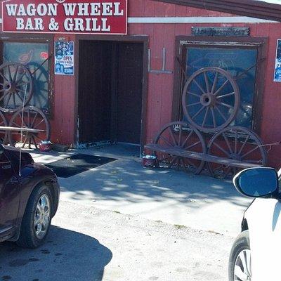 Wagon Wheel Bar