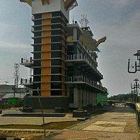 Menara Pandang Siring Sungai Martapura, dilihat dari arah Jl.Kapten Piere Tendean, Banjarmasin