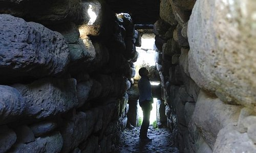 Tomba dei giganti Sa Domu e S'Orcu/piacentino