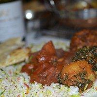 Saag aloo and chicken vindaloo