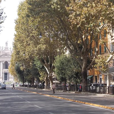 viale carlo felice - scorcio basilica san giovanni in laterano 2