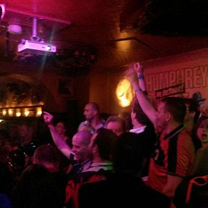 Typical gestures of engaged publics in this cozy music- and karaoke bar in Amsterdam center