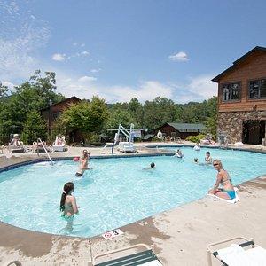 The Park View Pool at the Gatlinburg Falls Resort