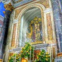 Santuario della Madonna della Vittoria, a ridosso della Rocca Orsini, contenente la statua ligne