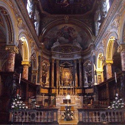 sm in v. lata - chiesa - interno