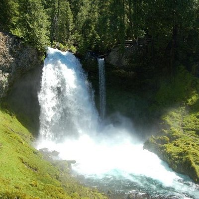 Koosah Falls from McKenzie river trail