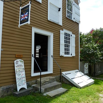 Ross-Thomson House & Store Museum