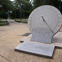 Reloj de Sol, War Veteran's Memorial Park