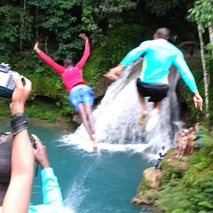 Blue Hole with Peat Taylor Tours