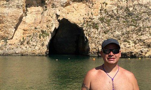 Cueva que comunica con el Mar Abierto