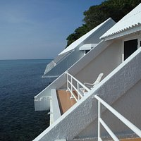 โซนบ้านพักที่ 21-30 วิวทะเลระเบียงเหนือท้องน้ำ